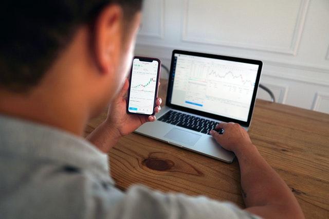 Conozca algunos términos clave para hablar como un inversor